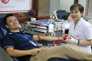 Ngày hội hiến máu tình nguyện 'Giọt hồng EFY'
