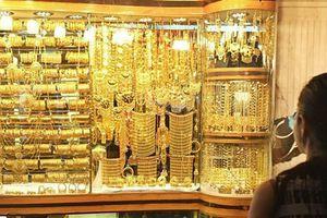 Giá vàng hôm nay 3.11: Tăng nhẹ phiên cuối tuần, ngân hàng đẩy mạnh mua vàng