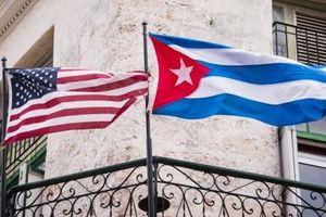 Cuba nhắc nhẹ lưỡi dao kề nách Mỹ