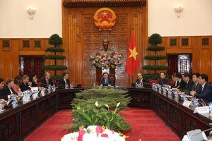 Phó Thủ tướng Vương Đình Huệ tiếp đoàn 50 doanh nghiệp Pháp