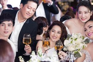 Hồ Quang Hiếu: 'Tôi gọi điện rủ Bảo Anh đi đám cưới Trường Giang, Nhã Phương'