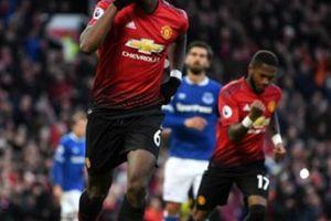 Mới qua 1/3 mùa giải, HLV Mourinho đã 'tung cờ trắng' tại Premier League