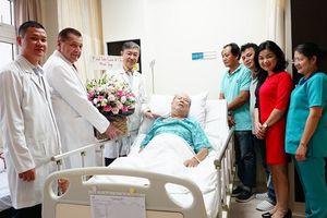 6 giờ nỗ lực cứu bệnh nhân mắc nhiều bệnh ngặt nghèo