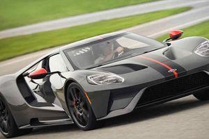 Siêu xe nhẹ nhất của Ford-GT Carbon Series có gì hay?