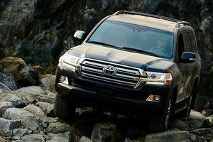 Cận cảnh Toyota Land Cruiser 2019 nâng cấp mới