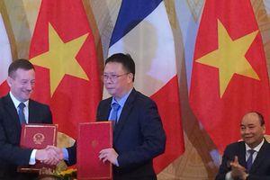Pháp cam kết giúp Việt Nam xây dựng trường đại học đẳng cấp quốc tế