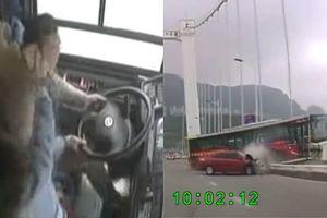 Hé lộ lí do nữ hành khách đánh đập tài xế khiến xe buýt lao xuống sông