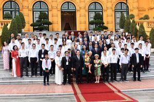 Tổng Bí thư, Chủ tịch nước Nguyễn Phú Trọng gặp gỡ 55 học sinh, sinh viên tiêu biểu, xuất sắc