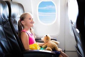 Kinh nghiệm thiết yếu khi cho trẻ em đi máy bay