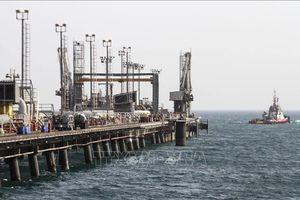 Ngành dầu mỏ Iran lại 'vật lộn' với lệnh trừng phạt mới của Mỹ