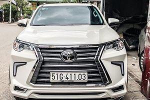 Rộ thú chơi 'hô biến' Toyota Fortuner thành xe Lexus ở Việt Nam