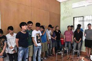 67 'nam thanh nữ tú' tụ tập hút ma túy trong quán karaoke