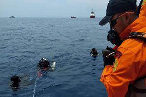 Lý do thợ lặn Indonesia thiệt mạng khi tìm máy bay Lion Air rơi