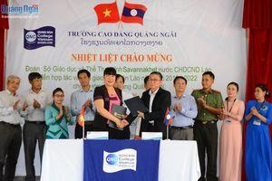 Tiếp nhận 38 sinh viên Lào đến học tập tại Trường CĐ Quảng Ngãi