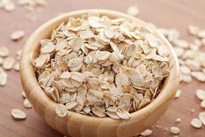 Chăm sóc và giúp da trắng mịn không ngờ với bột yến mạch