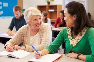 Trường học Mỹ dạy cả phụ huynh và người thân học sinh