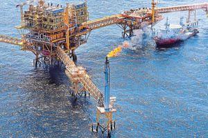 Giá dầu thế giới giảm hơn 6%, trượt dốc liên tiếp trong 4 tuần