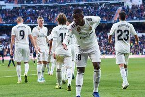 Real Madrid giành 3 điểm đầy may mắn trên nhà trước Valladolid