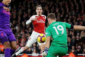 CLIP: Arsenal và Liverpool chia điểm trong trận cầu đôi công mãn nhãn