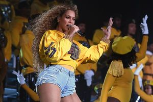 Cái kết 'đắng' cho cô gái bắt chước để đẹp giống Beyoncé