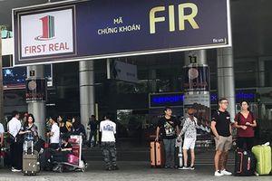 Khách ở sân bay Đà Nẵng khốn đốn vì tài xế taxi ngưng đón khách