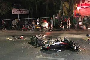 Hai xe máy tông nhau cực mạnh, 2 người chết, 1 người bị thương