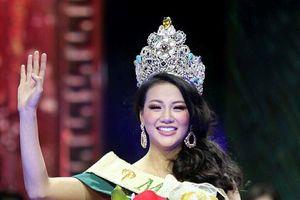 Cộng đồng mạng 'dậy sóng' khi Phương Khánh đăng quang 'Hoa hậu Trái đất'