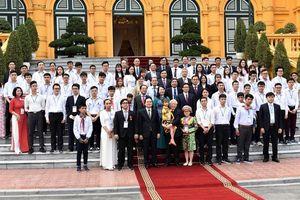 Tổng bí thư, Chủ tịch nước Nguyễn Phú Trọng: Giáo dục toàn diện, tựu chung lại là đức và tài