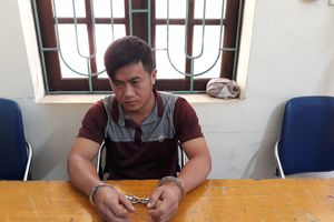 Đối tượng bị truy nã bị bắt khi đang trộm cắp tài sản