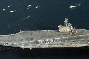 Dàn chiến đấu cơ, tàu sân bay 'khủng' của Mỹ đổ xô về Nhật Bản làm gì?