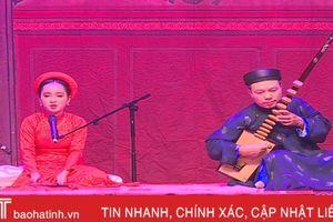 Ấn tượng tiết mục ca trù 'Tỳ bà hành' của nữ sinh Hà Tĩnh