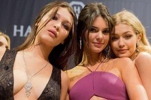 Kendall Jenner, Gigi Hadid và Bella Hadid chính thức biểu diễn Victoria's Secret 2018