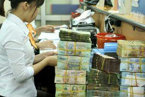 BẢN TIN TÀI CHÍNH-KINH DOANH: Việt Nam chi hơn 84.000 tỷ trả nợ, xuất khẩu gạo giảm