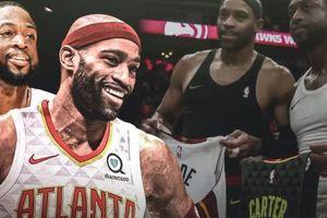 Dwyane Wade và Vince Carter thực hiện hành động 'hiếm có' tại NBA