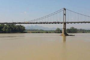 Tìm thấy thi thể nữ sinh lớp 10 gieo mình xuống Lam sông tự vẫn