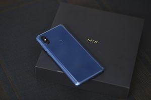Xiaomi giới thiệu siêu phẩm Mi Mix 3 tại Việt Nam với thiết kế độc đáo chưa từng thấy