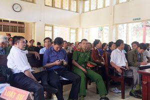 Hàng trăm người dân kiện UBND tỉnh Bắc Giang ra tòa: Tạm ngừng phiên tòa