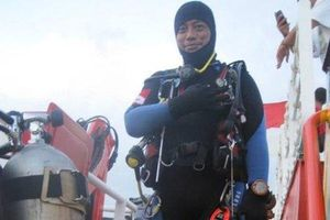 Hé lộ nguyên nhân 1 thợ lặn tử vong khi tìm kiếm máy bay Indonesia rơi