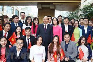 Thủ tướng đến Thượng Hải, bắt đầu chương trình tham dự CIIE 2018