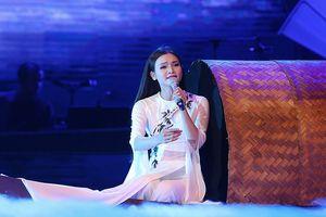 Thanh Lam 'lên đồng' với Phạm Phương Thảo trong liveshow 'Mơ duyên'