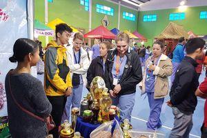 Phiên chợ sâm Ngọc Linh ở Quảng Nam thu hơn 5 tỷ đồng