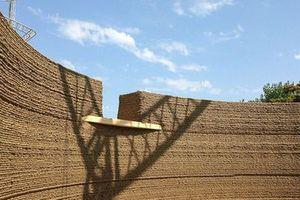 Độc đáo 'nhà bùn' xây bằng công nghệ in 3D ở Ý