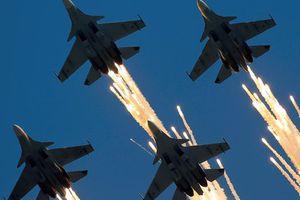 Tại sao Mỹ không thể dùng 'quân cờ Nga' đối phó với Trung Quốc?
