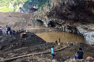 Tạm giữ hình sự chủ bãi khai thác vàng bị sập khiến 2 người mất tích