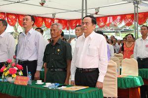 BẢN TIN MẶT TRẬN: Chủ tịch Trần Thanh Mẫn dự Ngày hội Đại đoàn kết tại huyện Cần Giuộc