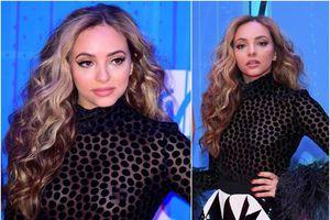 Ca sĩ xinh đẹp cố tình lộ vòng một trên thảm đỏ MTV EMAs 2018