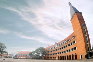 #Justgo: Ngôi trường thu hút khách du lịch nhất ở Đà Lạt