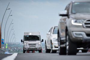 Ôtô 'dập dềnh' khi qua cầu 7.300 tỷ: Bộ GTVT yêu cầu kiểm tra