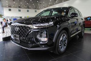 Hyundai SantaFe đầu tiên về đại lý tại TP.HCM, cắt nhiều trang bị