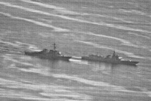 Thêm video mới vụ chạm trán tàu Mỹ với tàu TQ ở Biển Đông